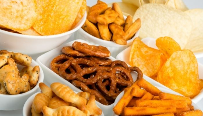 ShutEye 5 tips to stop eating before bed weight loss health Higher chances of snacking