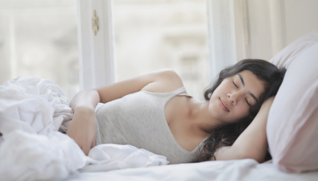 10 TIPS TO SLEEP WELL AND BEAT INSOMNIA
