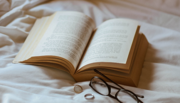 Struggling to Sleep? Try These Sleep Stories for Adults